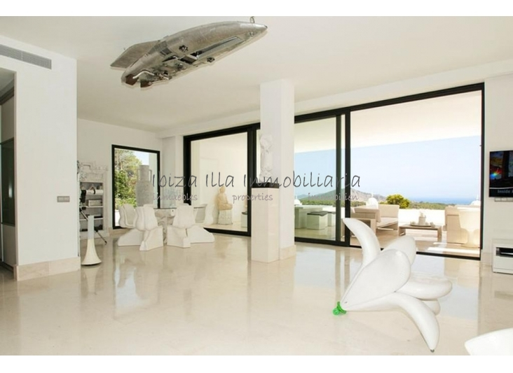 Villa Skylight